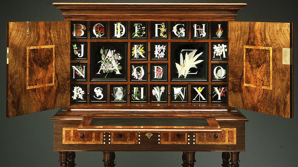 Miguel Gómez-Ibáñez, Alphabet Cabinet, writing desk (open)
